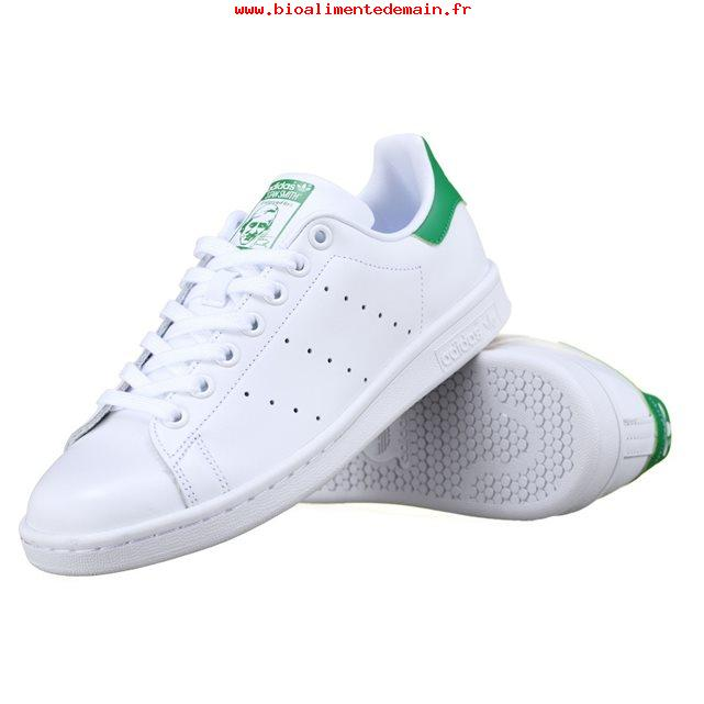 baskets adidas bandes fleuries